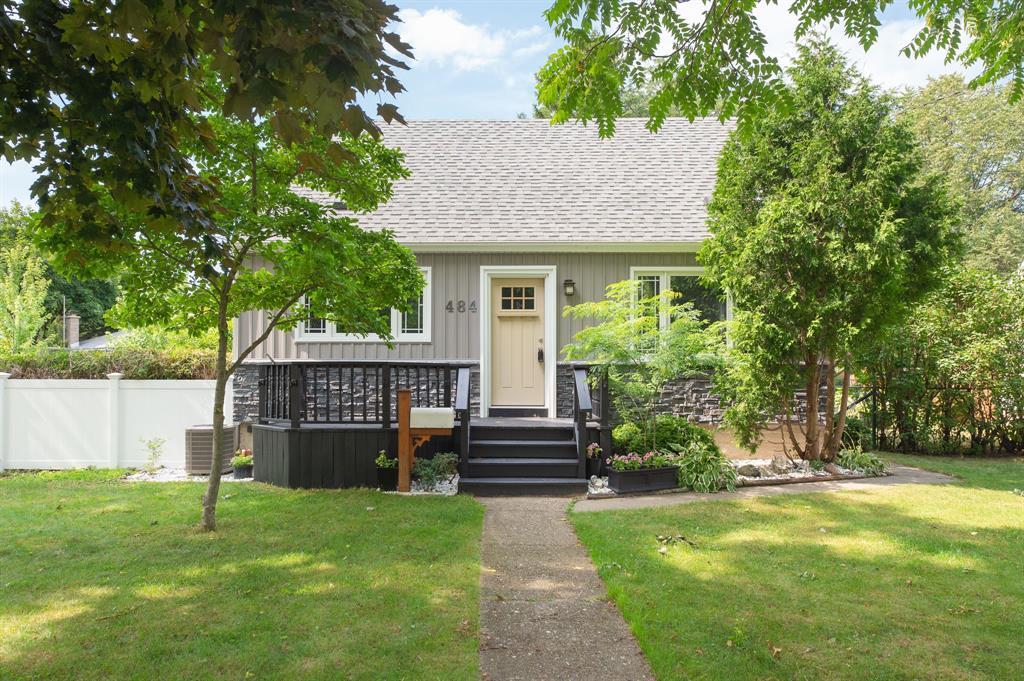 484 Charlesworth Drive, Sarnia Ontario, Canada