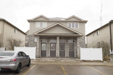10b-240 Westmeadow Dr, Kitchener Ontario, Canada