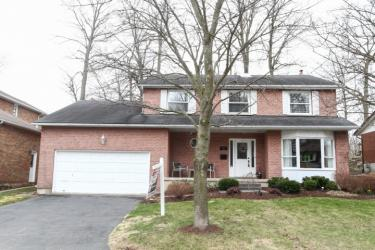 27 Stoke Court, Kitchener Ontario, Canada