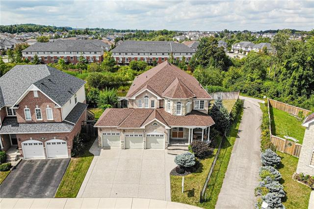 517 TOPPER WOODS Crescent, Kitchener Ontario, Canada