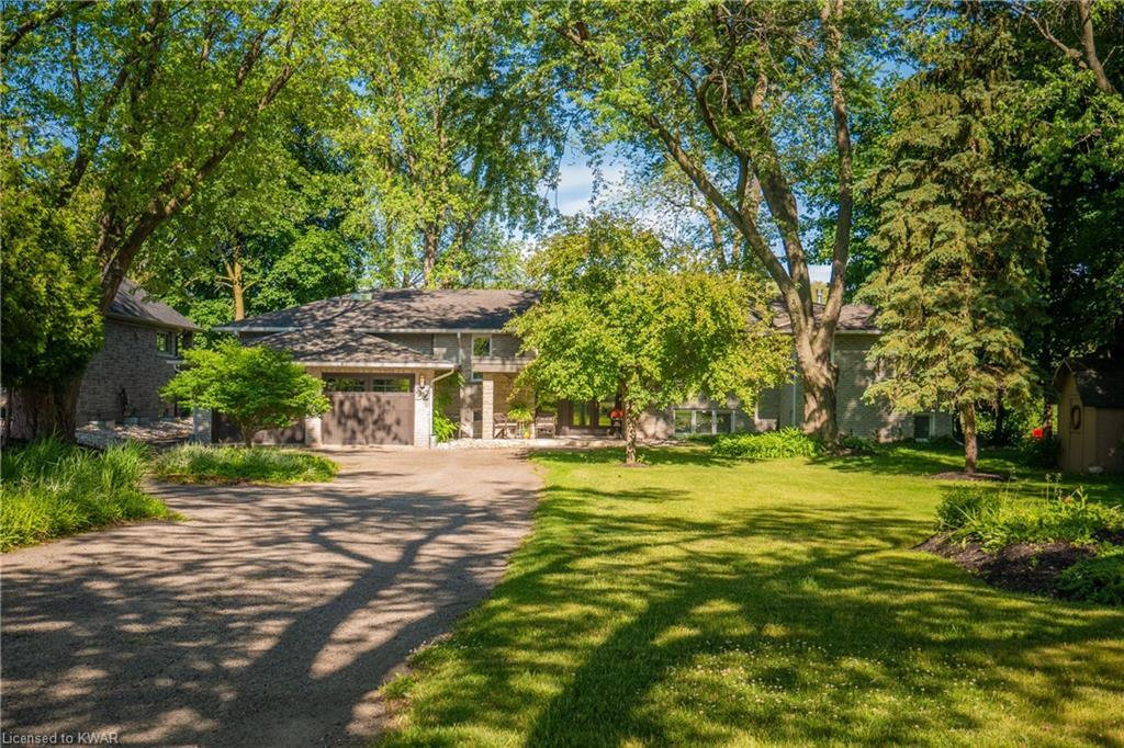 22 Old Cottage Place, Kitchener Ontario, Canada