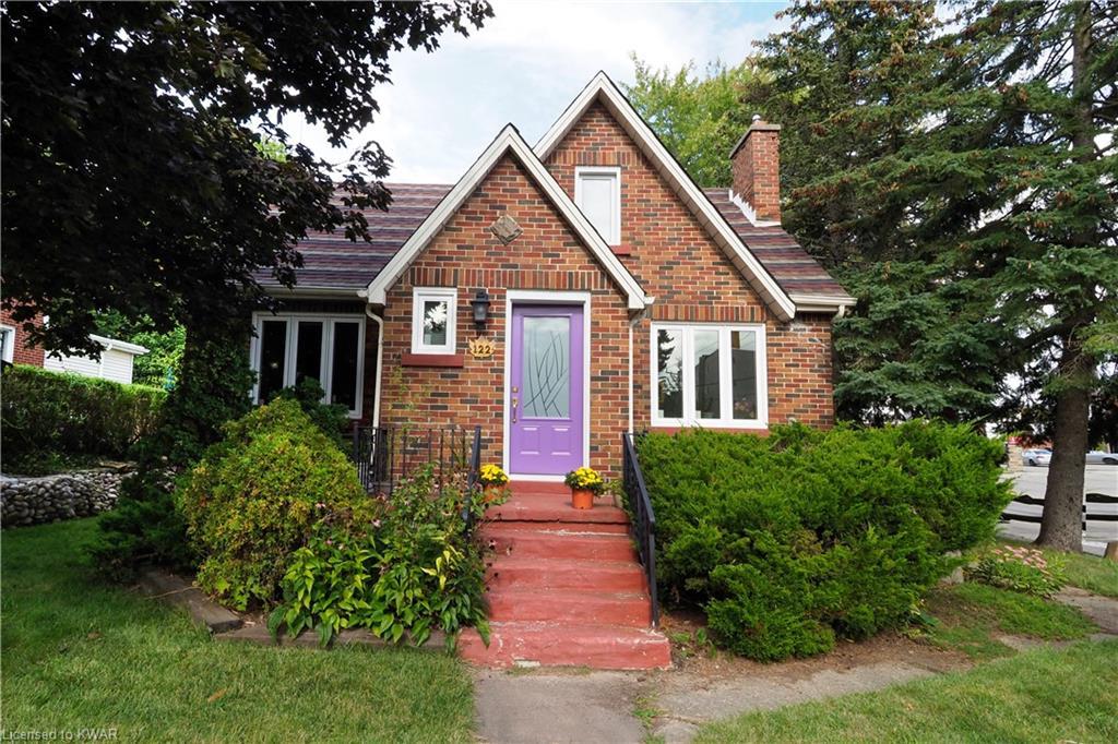 122 Moore Avenue S, Waterloo Ontario, Canada