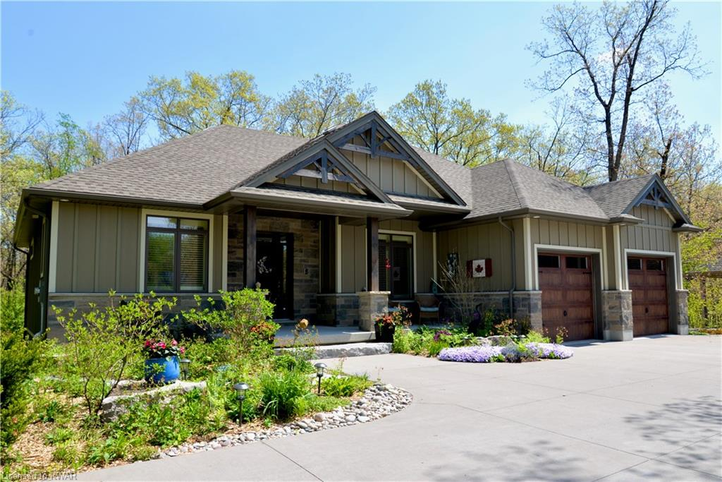 10163 Pinery Bluff Road, Grand Bend Ontario, Canada