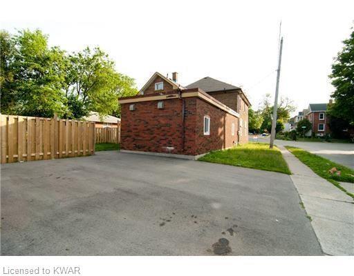 39 Lowrey Avenue, Cambridge Ontario, Canada