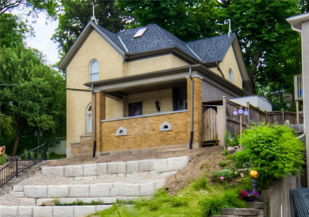 132 Queen Street West Street W, Cambridge Ontario, Canada