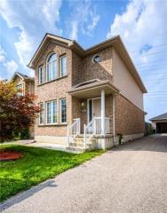 641 WINDFLOWER Crescent, Kitchener Ontario, Canada