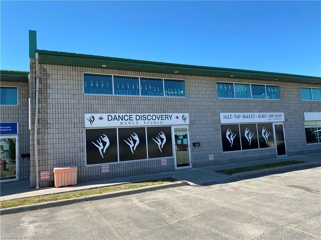 45 Dalkeith Drive Unit# 7 & 8, Brantford Ontario, Canada
