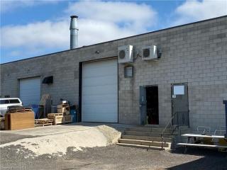31 TAMARA Place Unit# 2, Brantford Ontario