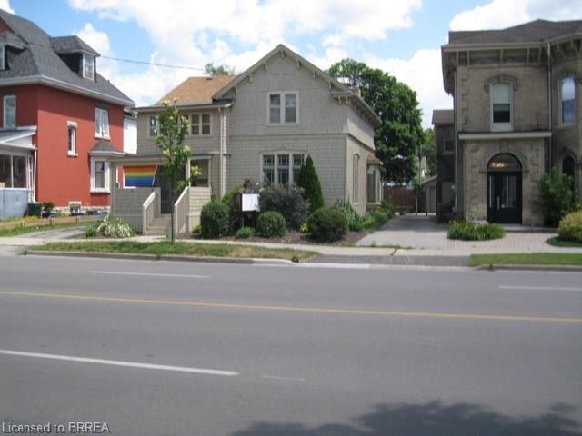 211 Brant Avenue, Brantford Ontario, Canada