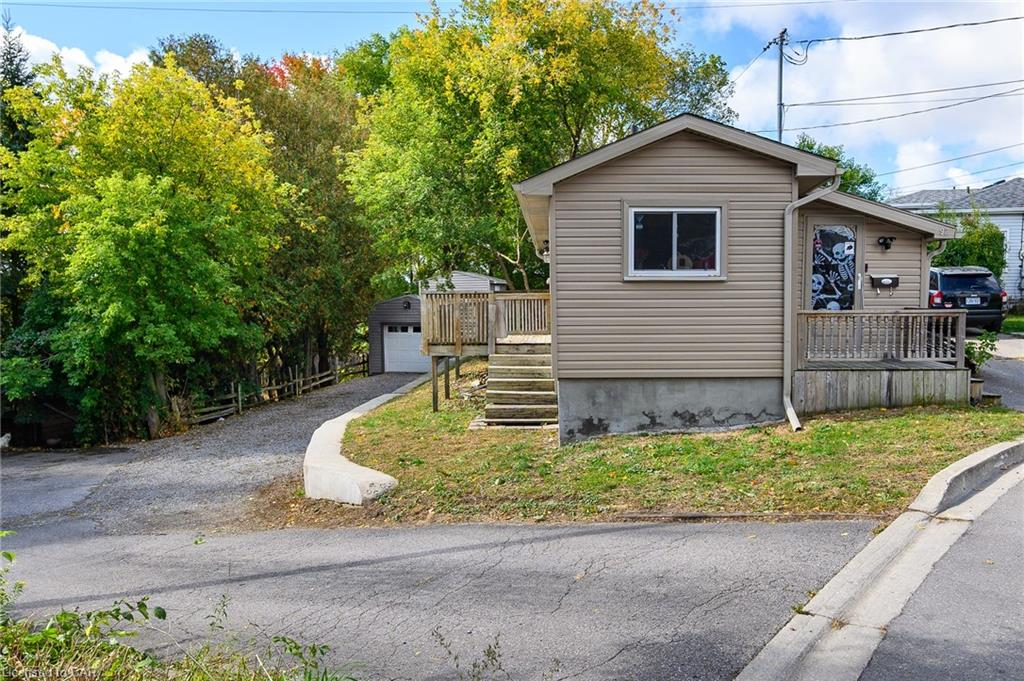 92-94 Sunnyhill Road, Cambridge Ontario, Canada