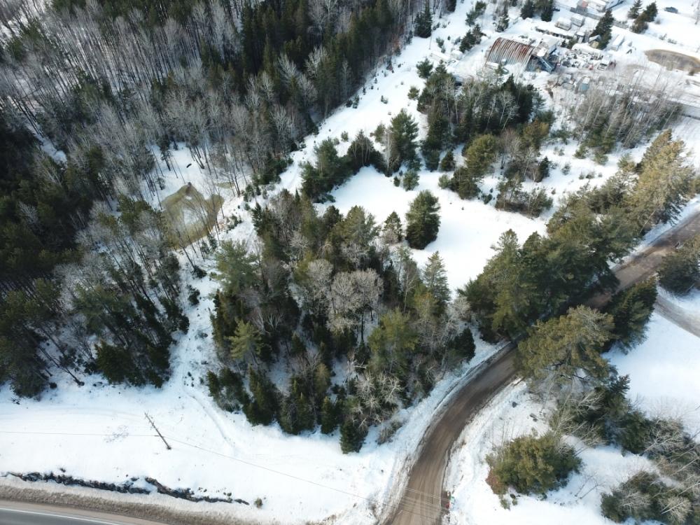 19 Pine Ridge Road, Bancroft Ontario, Canada