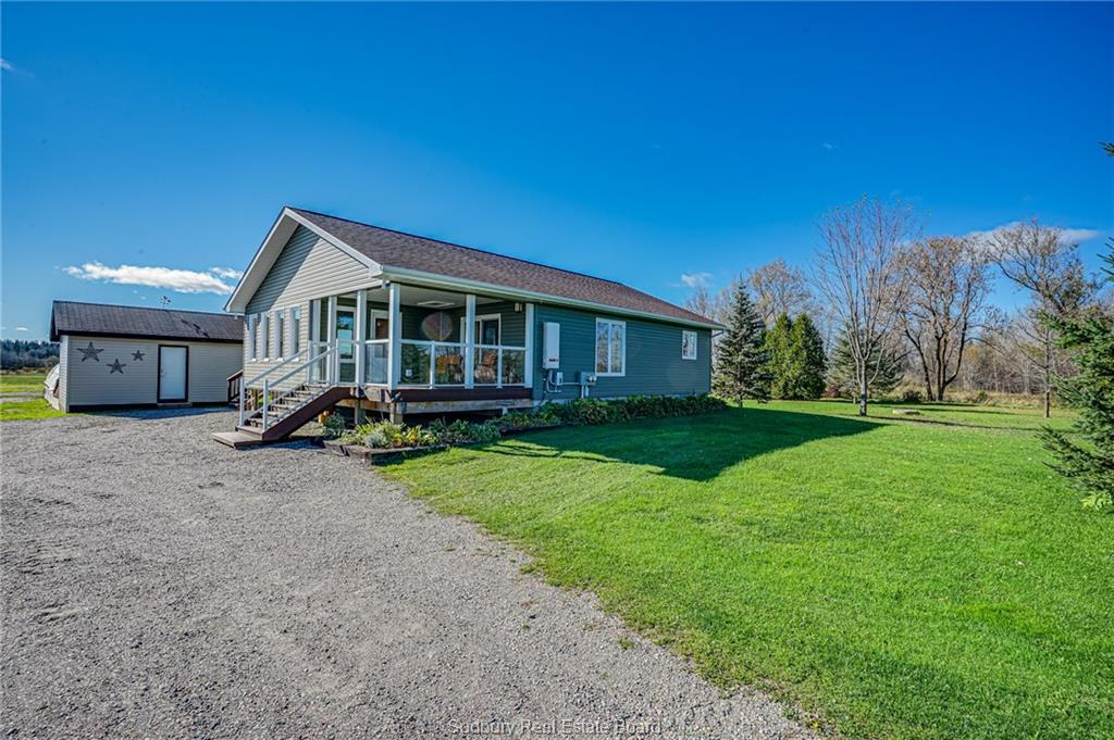 219 Lavallee Road, Chelmsford Ontario, Canada