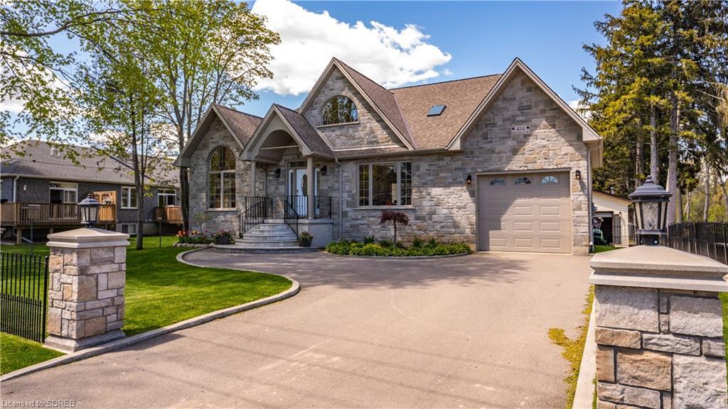 414 Nelson Street W, Port Dover Ontario, Canada