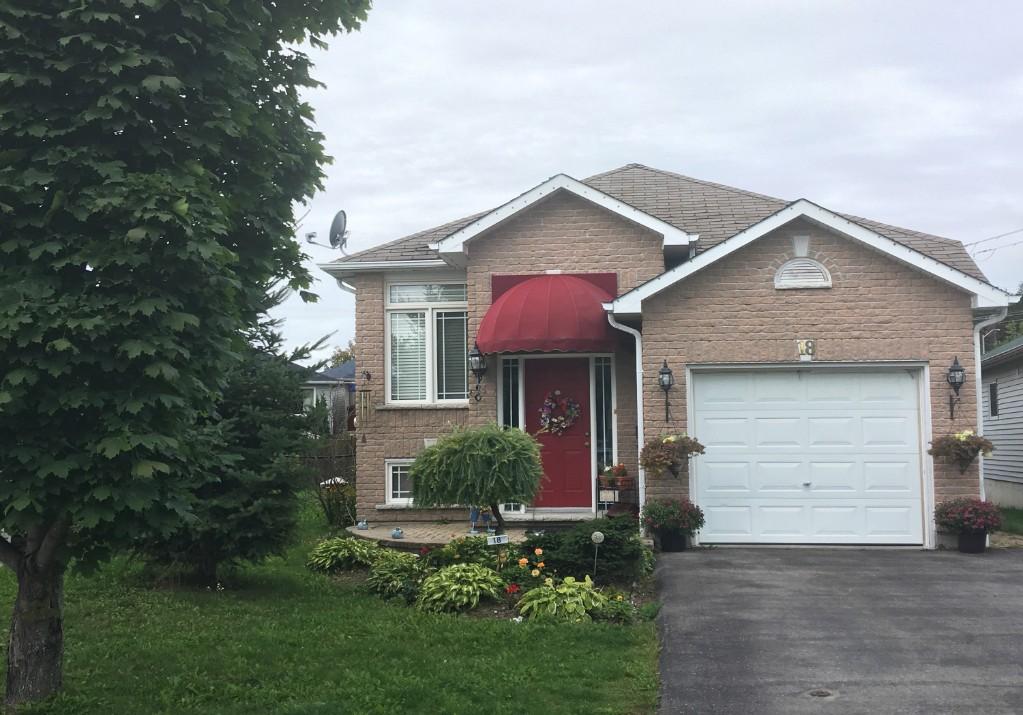 18 STONEBRIDGE CRT, Peterborough Ontario, Canada