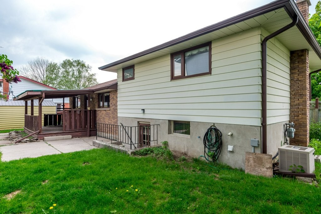 921 SOUTHLAWN DR, Peterborough Ontario