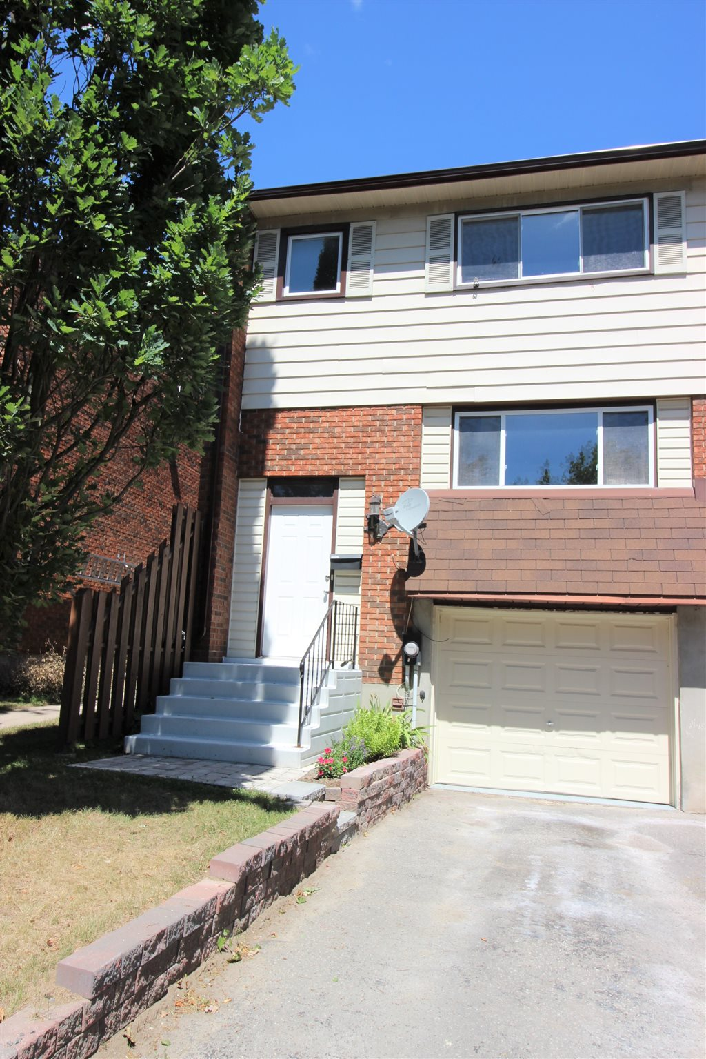 Unit# 11 11 Meadow Lane, Napanee Ontario, Canada