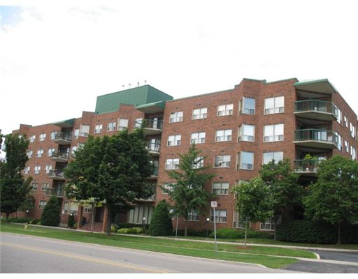 403 - 300 Keats Wa, Waterloo Ontario, Canada