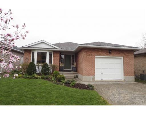 647 Sprucehurst Cr, Waterloo Ontario, Canada