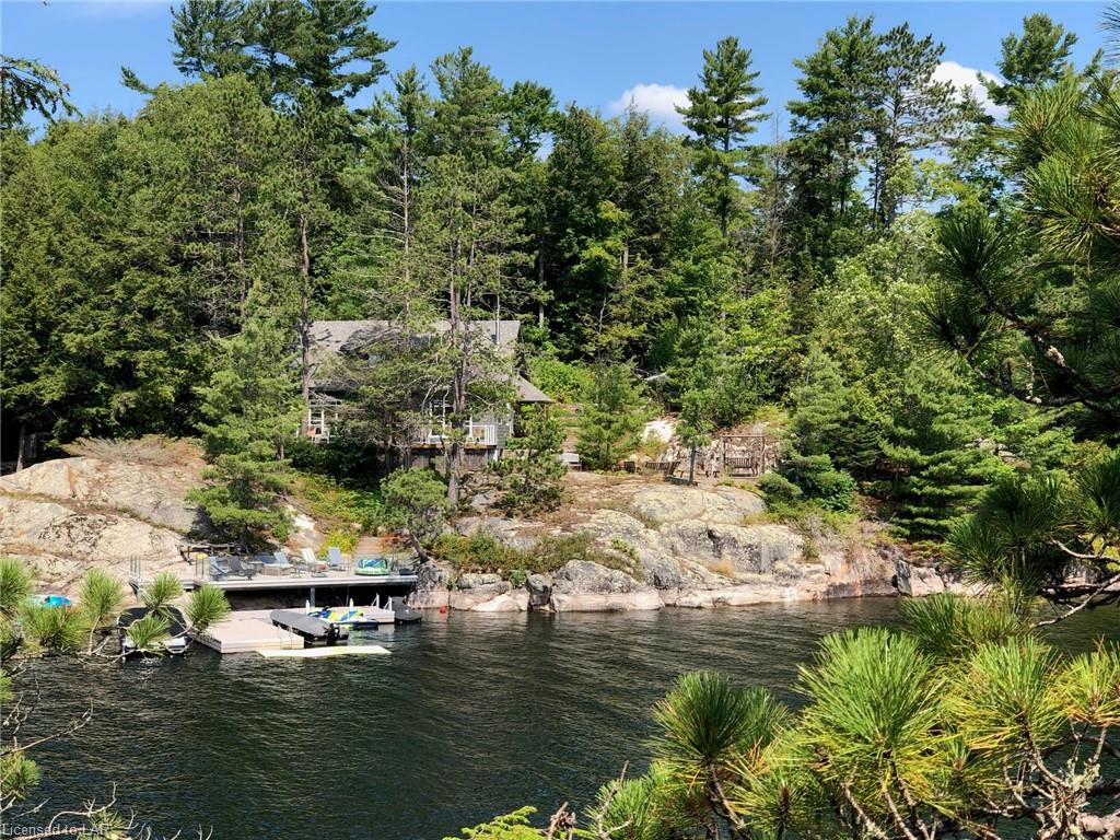 1033 Epic Road, Haliburton Ontario, Canada