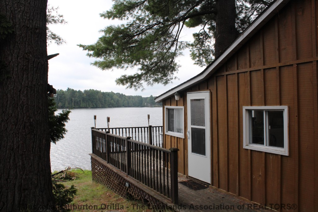 1038 Pike Lane, Haliburton Ontario