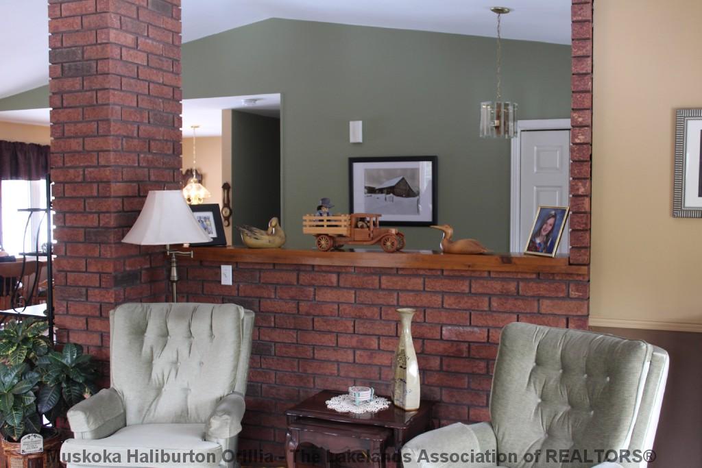 677 BOBCAYGEON RD, Minden Ontario, Canada