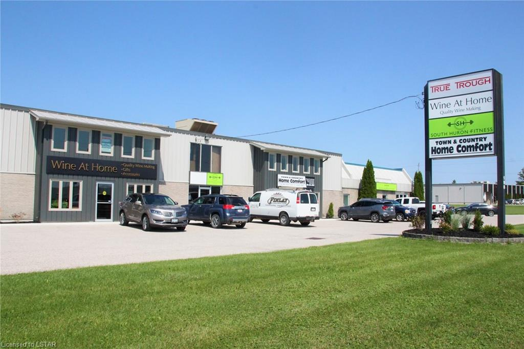 190 Thames Road Unit# 202, Exeter Ontario, Canada
