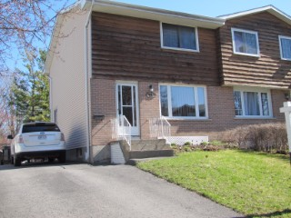 18 Carriage Crt, Kingston Ontario, Canada