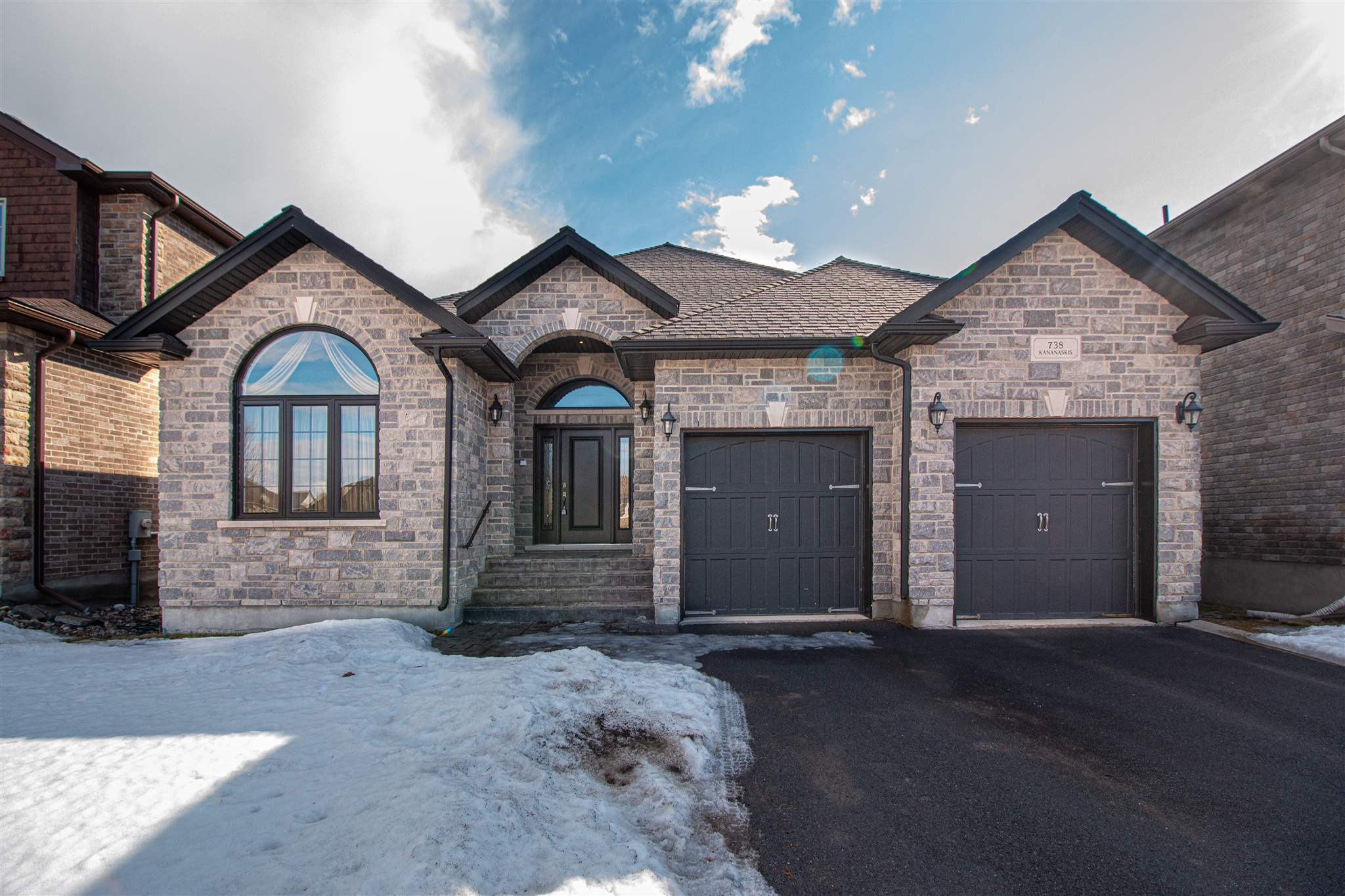738 Kananaskis Drive, Kingston Ontario, Canada