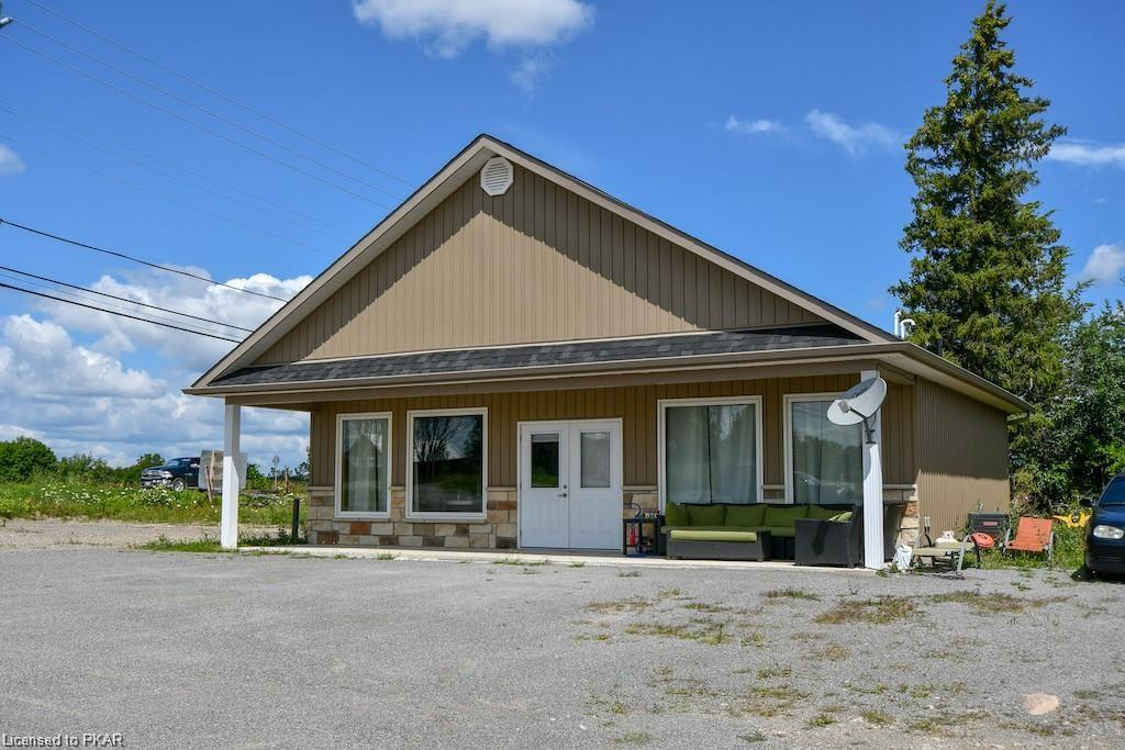2940 LAKEFIELD Road, Lakefield Ontario, Canada