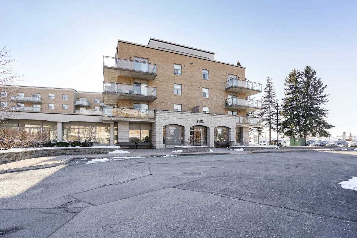 2502 Rutherford Rd, Vaughan Ontario, Canada