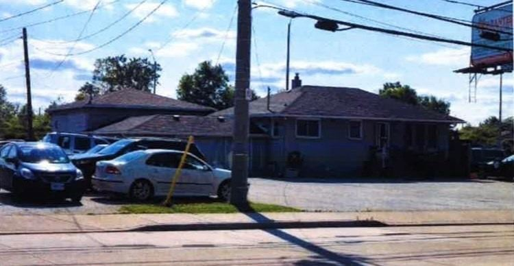 1377 Lauzon Rd, Windsor Ontario, Canada