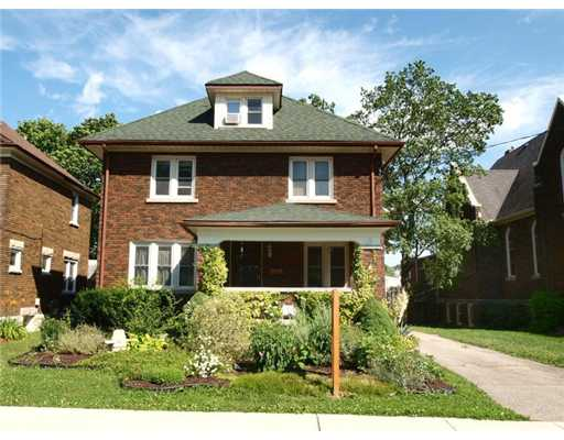49 onward av, Kitchener Ontario, Canada