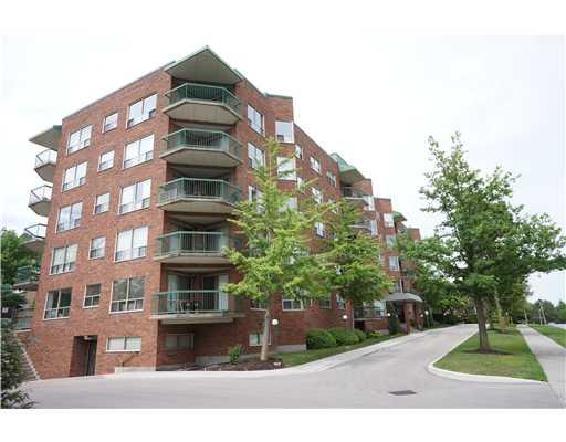 301 - 300 Keats Wa, Waterloo Ontario