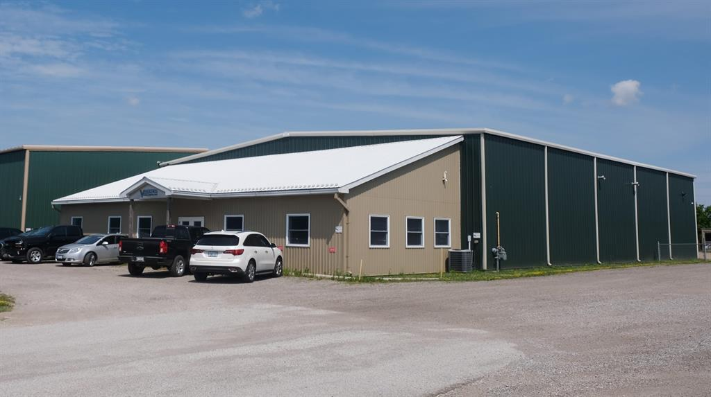 4427 Vanderwal Drive Unit# 1, Petrolia Ontario, Canada
