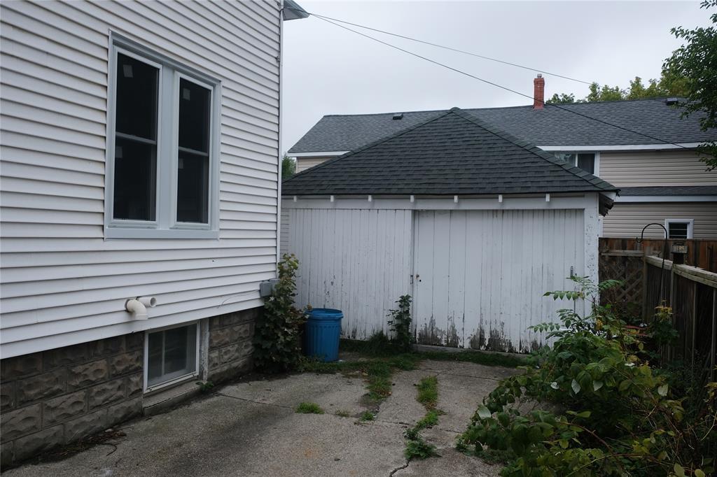 320 DAVIS Street, Sarnia, Ontario, Canada