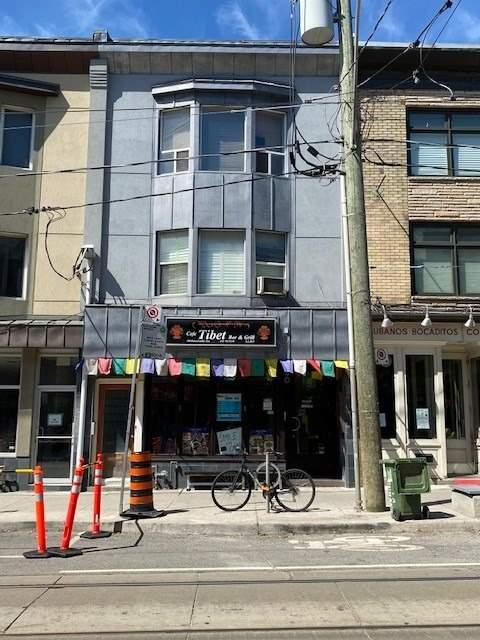 388-390 Roncesvalles Ave, Toronto Ontario, Canada