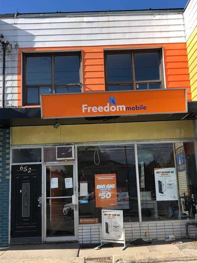 652 Sheppard Ave W, Toronto Ontario, Canada