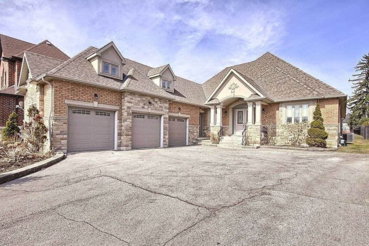 24 Aubrey Ave, Richmond Hill Ontario, Canada