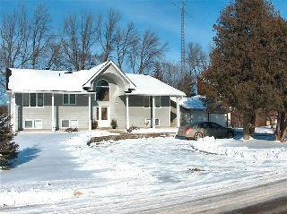 1285 Emerald Isle Rd, Ennismore Ontario