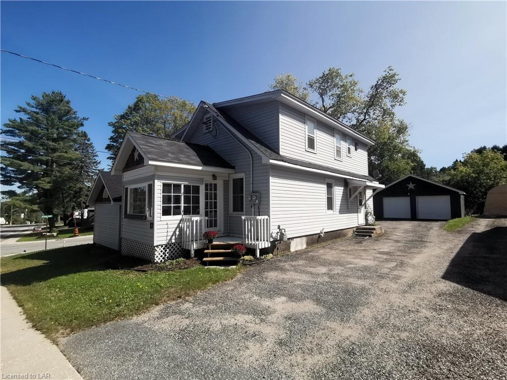 17 Florence Street W, Huntsville Ontario, Canada