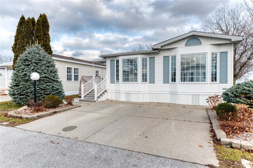5700 Blackwell Sideroad Unit# 102, Sarnia Ontario, Canada