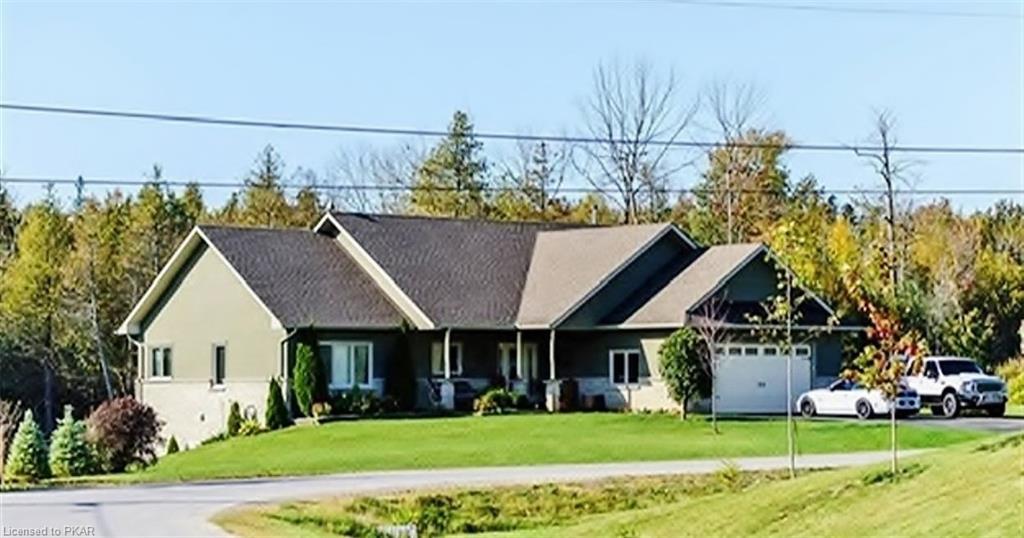 145 Arnott Drive, Ennismore Ontario, Canada