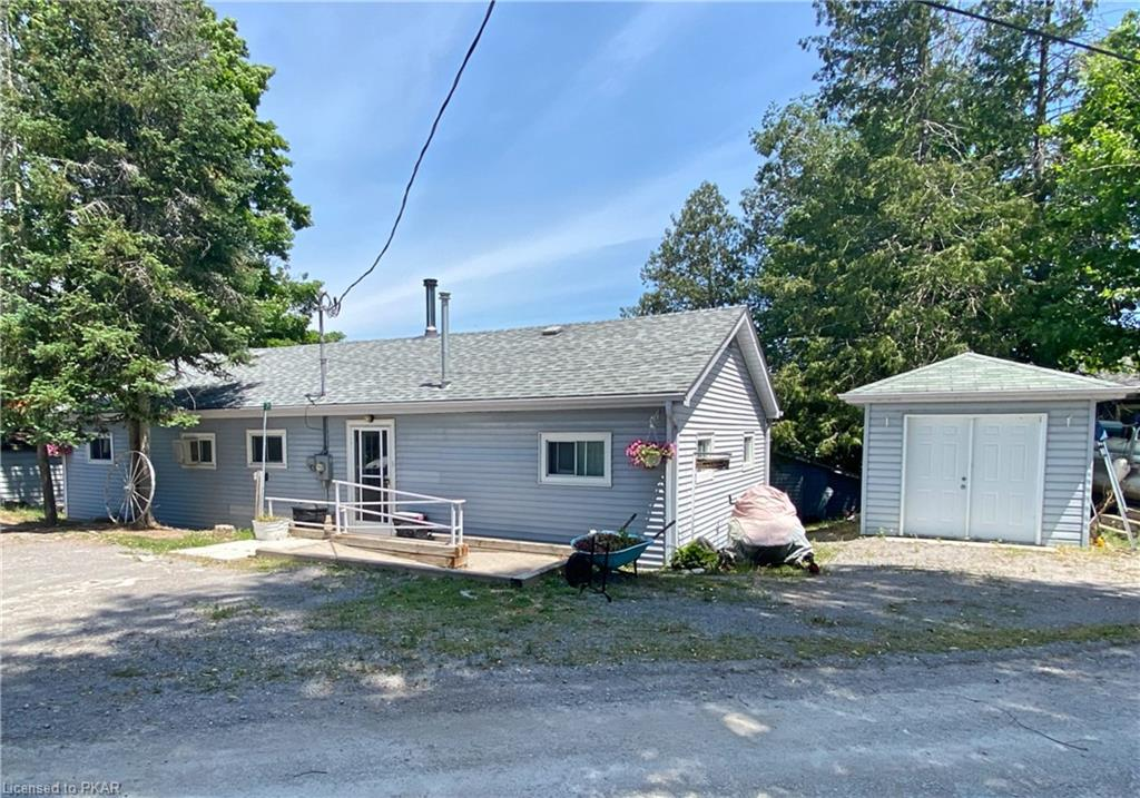 175 Rollies Point Road, Curve Lake Ontario, Canada