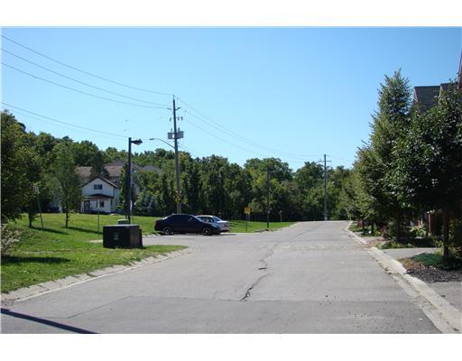39 - 250 Ainslie St S, Cambridge Ontario
