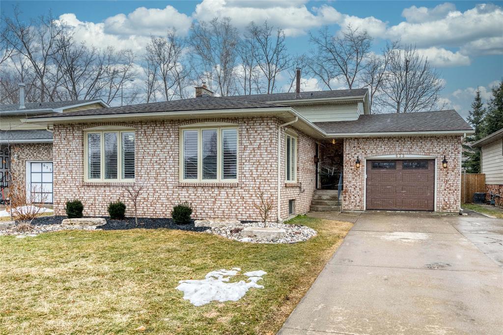633 Winchester Crescent, Sarnia Ontario, Canada