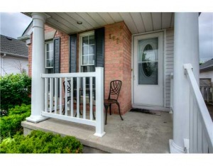 169 Wake Robin, Kitchener