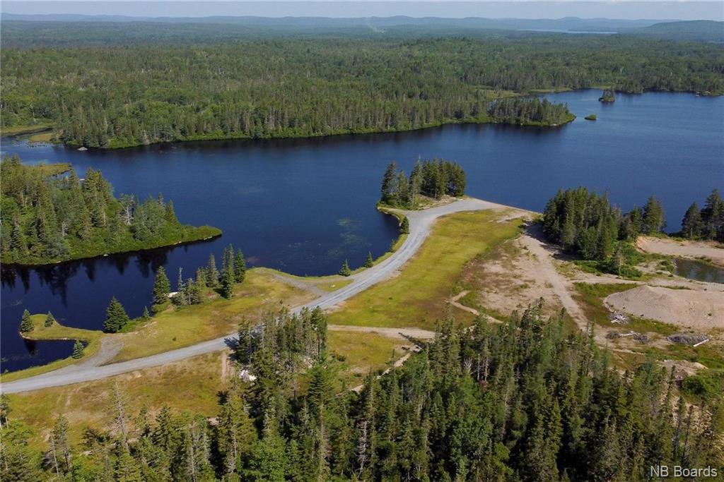 300 Shadow Lake Road, Prince Of Wales New Brunswick, Canada