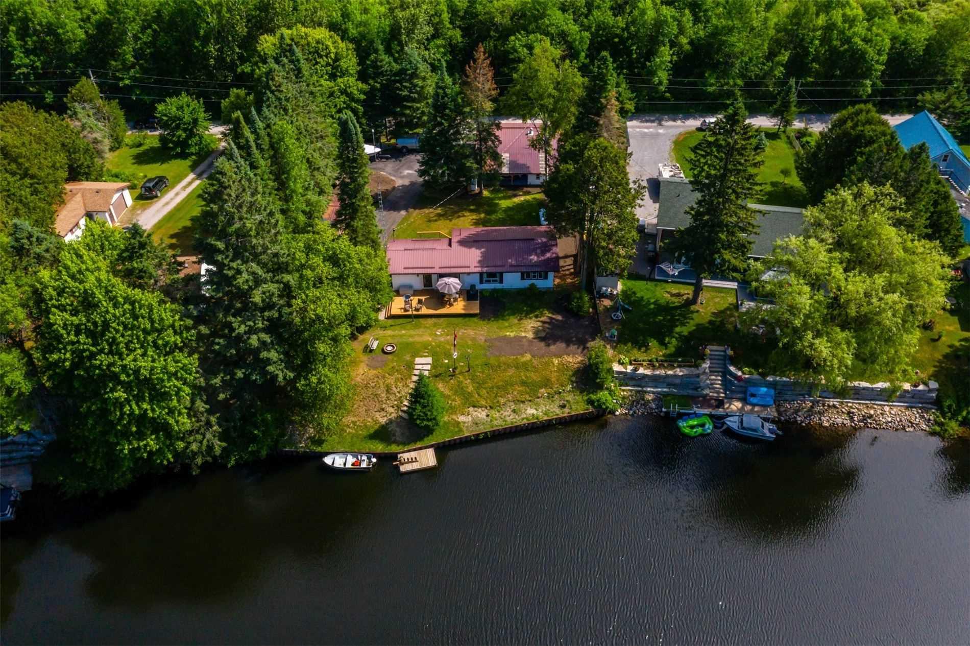 95 Brook Rd, Kawartha Lakes Ontario, Canada