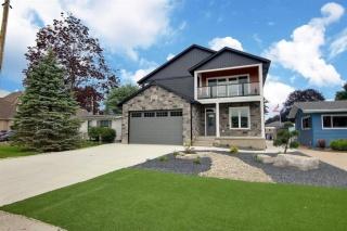 4676 RIVERSIDE Drive, Port Lambton Ontario, Canada