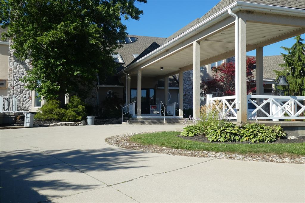 3790 LAKESHORE Road, Plympton-Wyoming Ontario, Canada